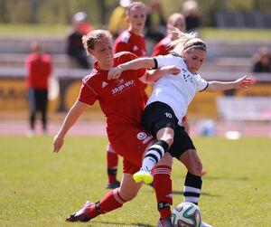 Kein Biss, zwei Punkte verschenkt: Der TSV Weilheim (in Rot) musste gegen die Gäste aus Murrhardt noch den Ausgleich einstecken.Foto: Jörg Bächle