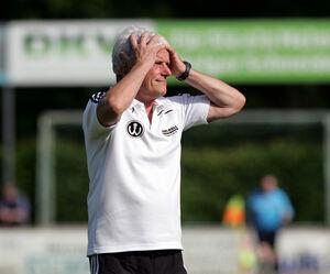 Cool bleiben, kühlen Kopf bewahren, auch wenn es derzeit nicht läuft: Das ist das Motto bei Trainer Alexander Hübbe und dem TSV Weilheim vor dem vorentscheidenden Duell morgen.Foto: Jörg Bächle