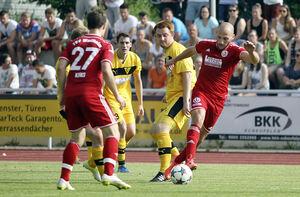 Für Ferdi Er (rechts) und den TSV Weilheim war es ein Wochenende ohne rechnerischen Wert. Relegationsplatz zwei stand schon vor dem 2:1-Erfolg gegen Echterdingen fest.Foto: Genio Silviani