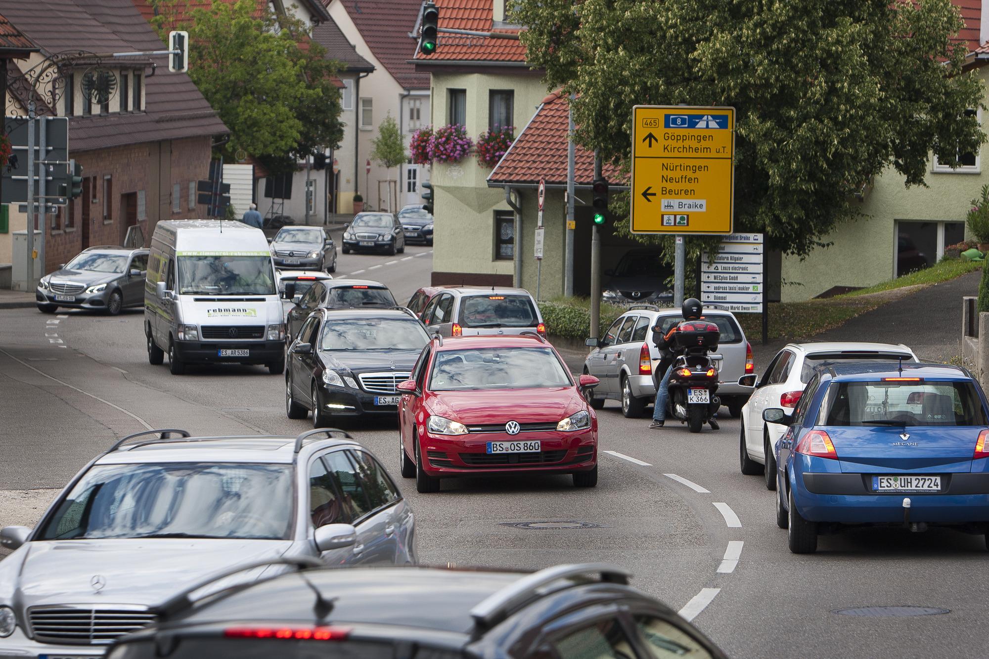 """Sperrungen verlagern den Verkehr nur"""" - Startseite - Teckbote"""