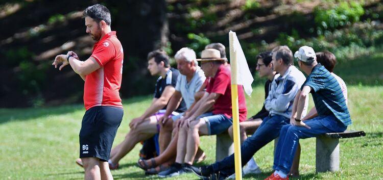 Die Zeit drängt: Der TSV Weilheim um Trainer Benjamin Geiger sollte alsbald mit dem Punkten beginnen. Foto: Markus Brändli