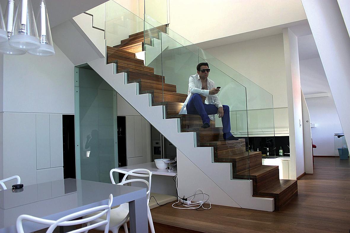 stauraum unter der treppe optimal nutzen bauen und wohnen teckbote. Black Bedroom Furniture Sets. Home Design Ideas
