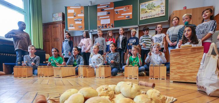 Ob Kartoffelweckle oder flotter Rap: Bei der Präsentation der Viertklässler drehte sich alles um die vielseitige Knolle.Fotos: C