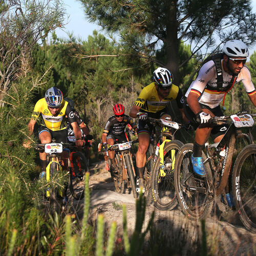 In Führung: Manuel Fumic. Foto: Shaun Roy/Cape Epic