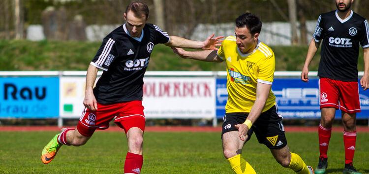 Hier noch beim Torschuss, in der Nachspielzeit gefeierter Held: Marvin Heth rettete dem TSVW gegen Echterdingen den Sieg. Foto: Genio Silviani