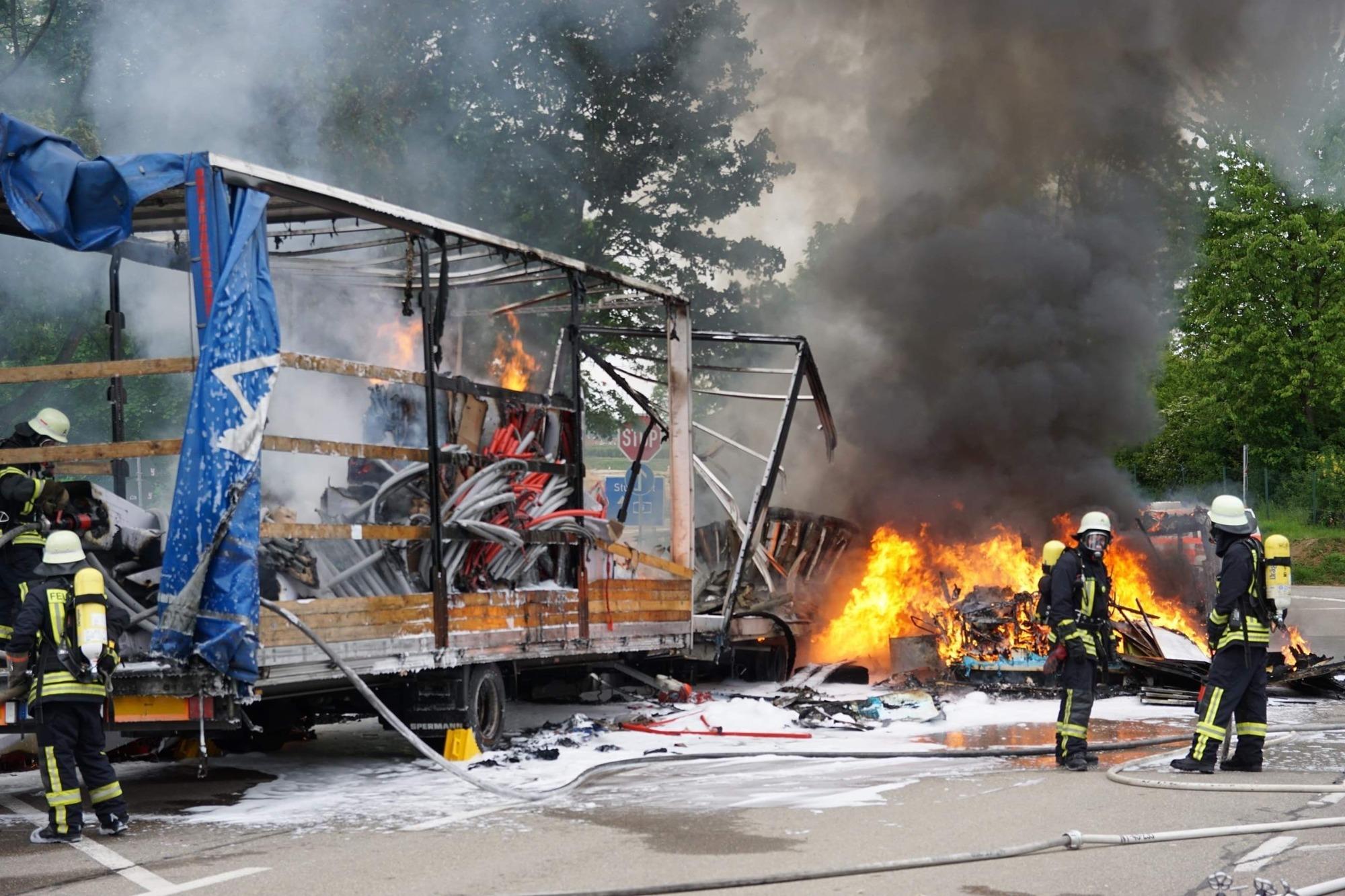 Wohnmobil von Fernsehstar geht in Flammen auf - Startseite - Teckbote