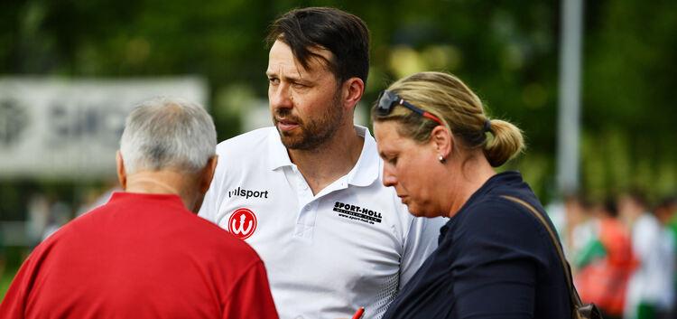 """""""Die klare und verdiente Niederlage macht mich traurig"""": Weilheims Trainer Benjamin Geiger war nach dem Spiel bedient. Foto: Brändli"""
