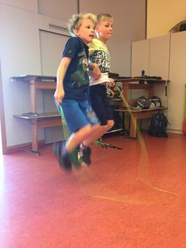 9.30: Rope Skipping in der Schule.Foto: Susanne Niemeyer